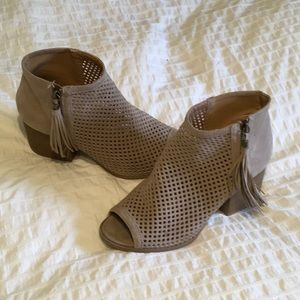 Qupid booties size8.5